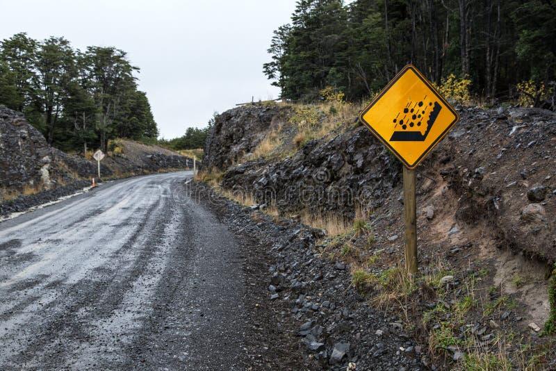 больше моего знака портфолио подписывает предупреждение Torres del Paine, Патагония Чили стоковые изображения