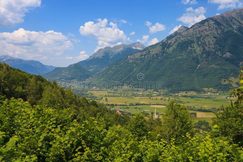 большие горы горы ландшафта стоковое изображение