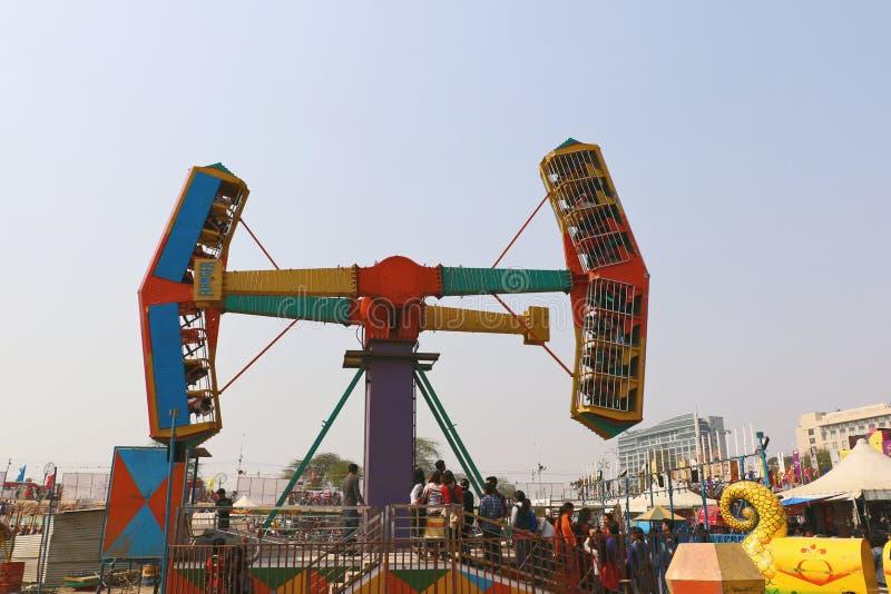 Большие качания/гигантские катят внутри Surajkund стоковое фото rf