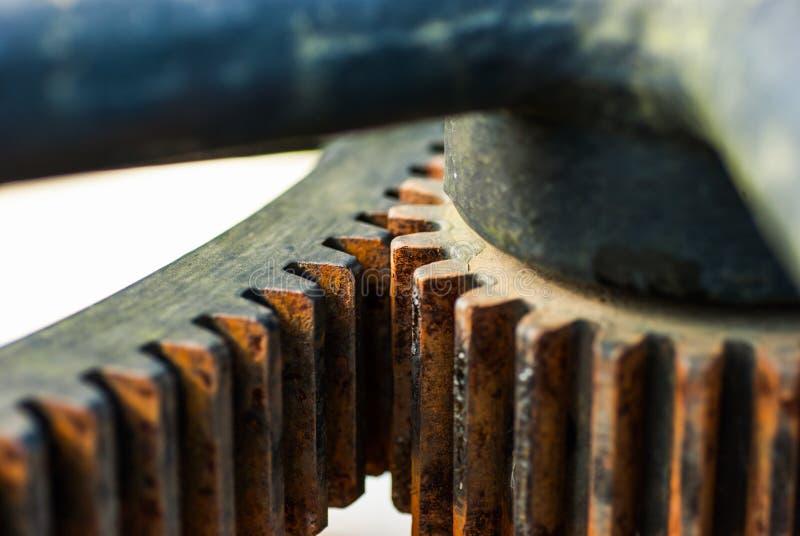 Download Большие колеса cog стоковое изображение. изображение насчитывающей глянцевато - 33738355