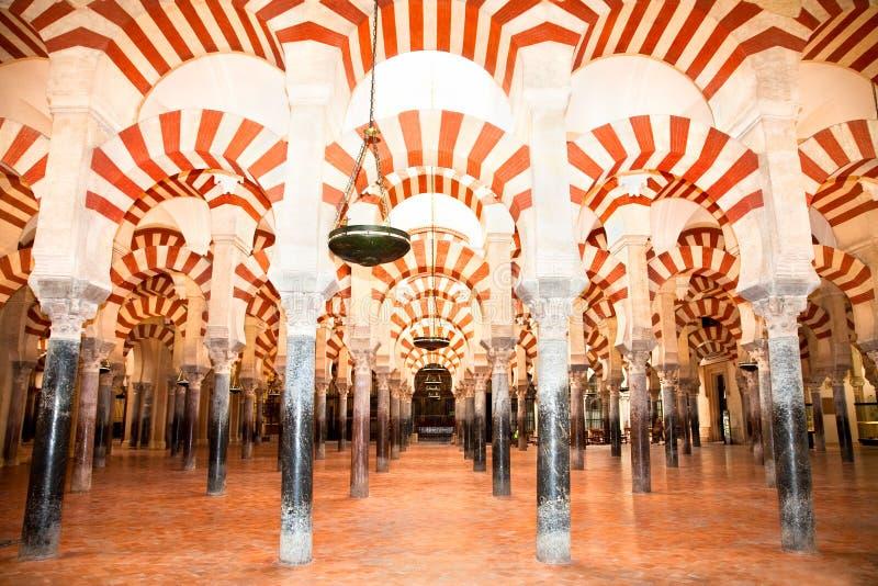 Большие мечеть и собор Mezquita, Cordoba, Испания стоковая фотография rf