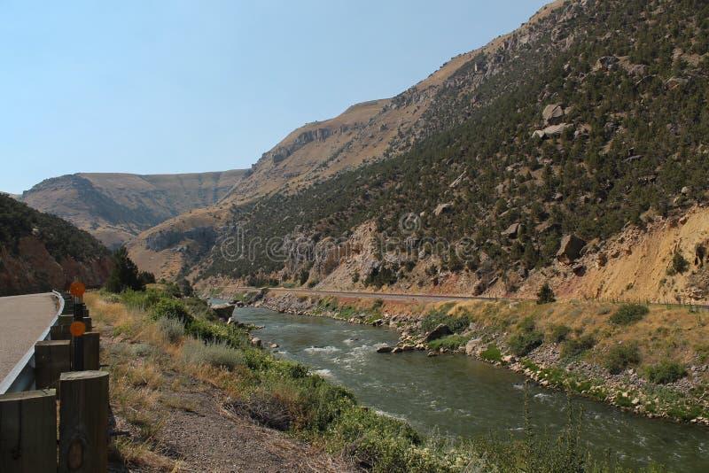 Большие речные пороги реки рожка в Вайоминге стоковые изображения rf