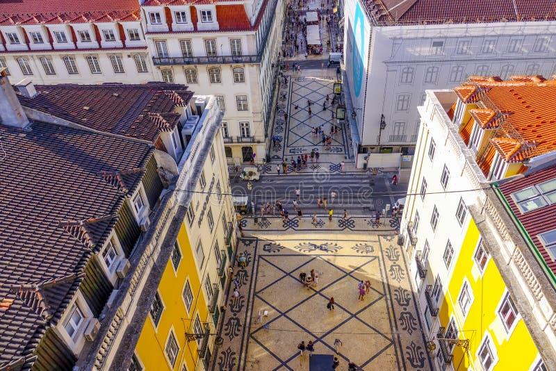 Большинств известная улица в улица Лиссабоне - Augusta - ЛИССАБОН - ПОРТУГАЛИЯ - 17-ое июня 2017 стоковые изображения rf