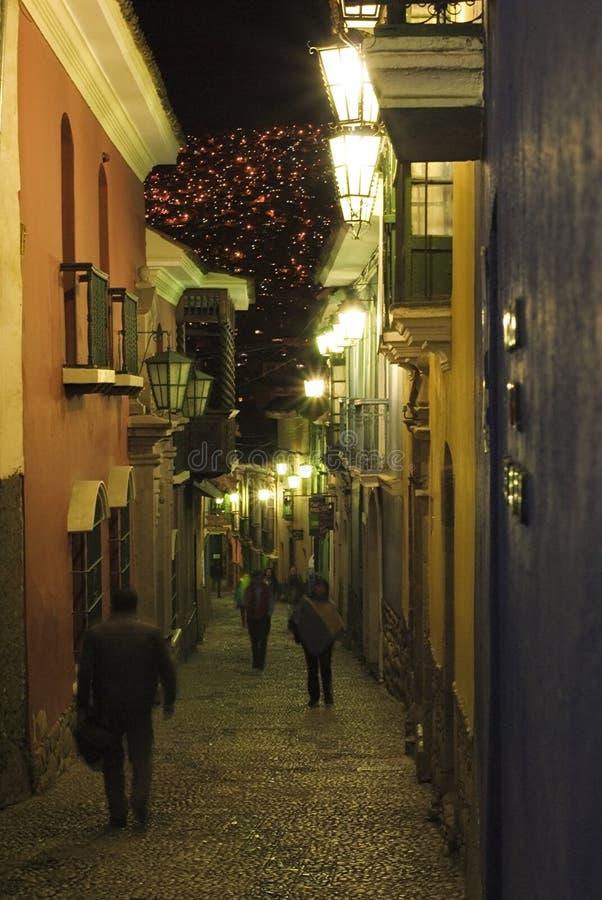 Большинств красочная улица в Ла Paz на nighttime стоковое изображение
