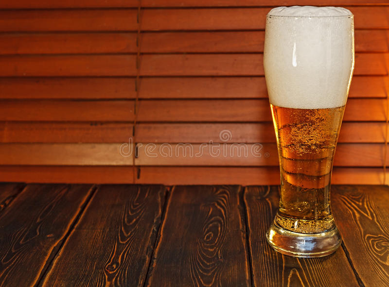 Большое стекло пива стоковое изображение rf