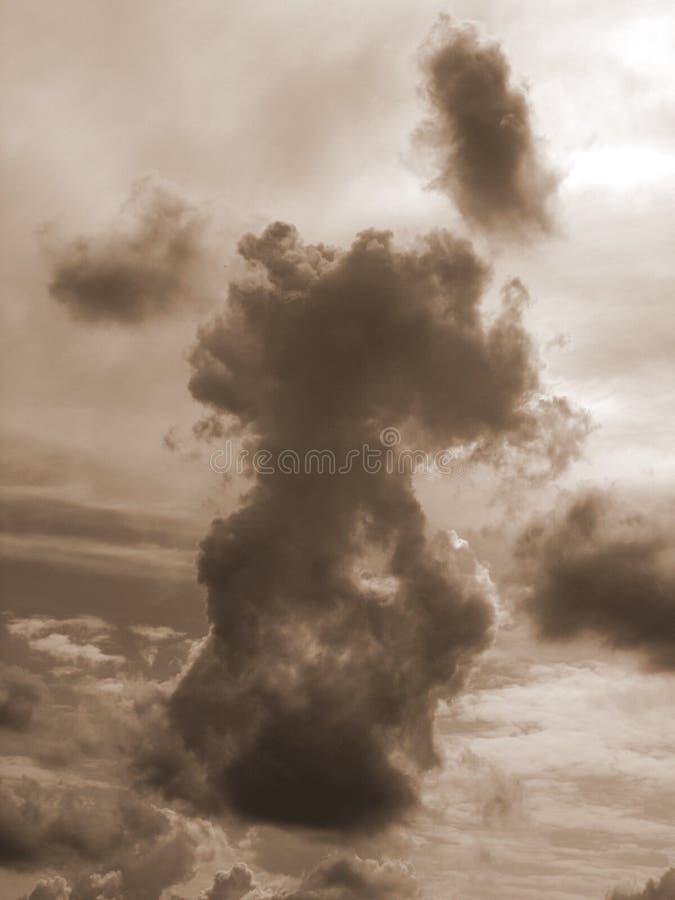 Большое темное облако от мечты стоковые изображения rf