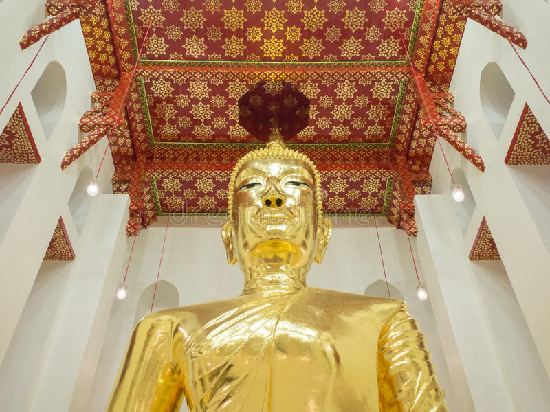 Большой Будда в буддийской церков стоковые изображения