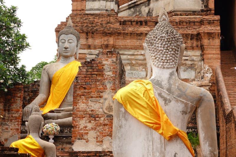 Большой Будда в Wat Yai Chaimongkol, Ayutthaya стоковая фотография