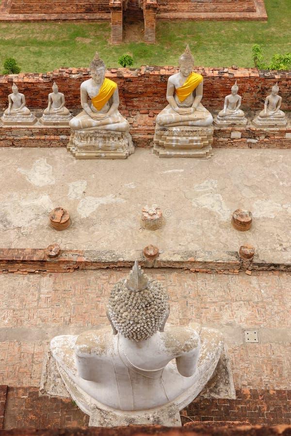 Большой Будда в Wat Yai Chaimongkol, Ayutthaya стоковые изображения