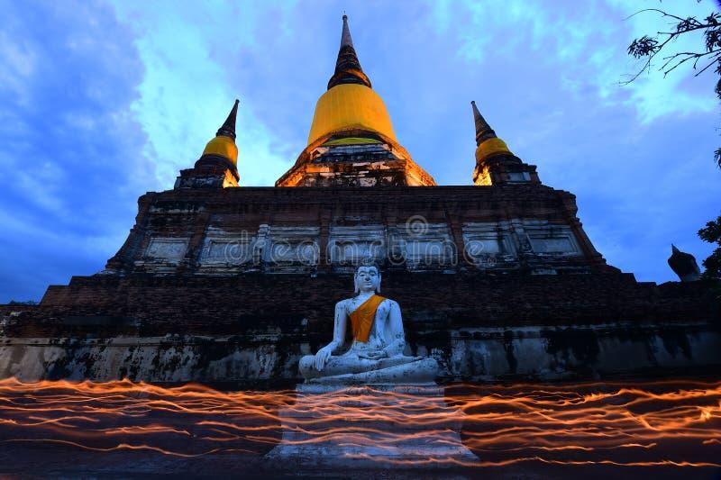Большой Будда в Wat Yai Chaimongkol, Ayutthaya стоковое фото rf