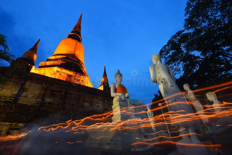 Большой Будда в Wat Yai Chaimongkol, Ayutthaya стоковое фото
