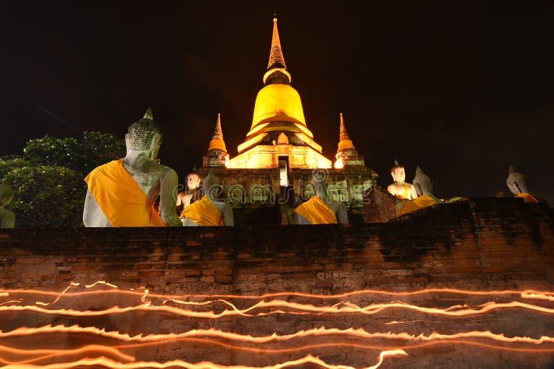 Большой Будда в Wat Yai Chaimongkol, Ayutthaya стоковые изображения rf