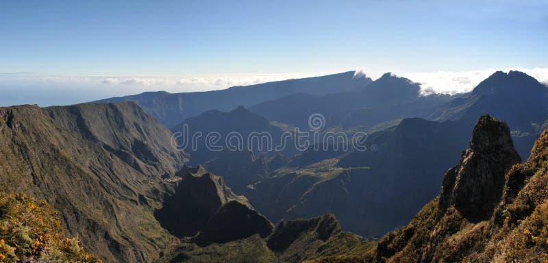 Большой взгляд Silaos Cirque Острова Реюньон в lig утра стоковое фото