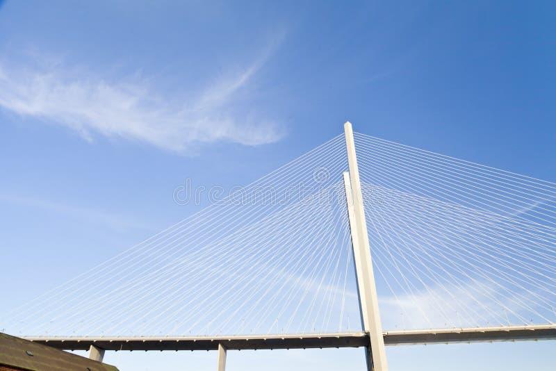 Download Большой висячий мост стоковое изображение. изображение насчитывающей металл - 33734311