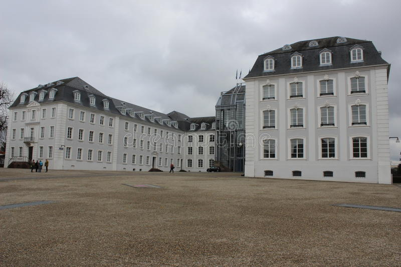 Большой замок в Saarbrucken стоковые фото