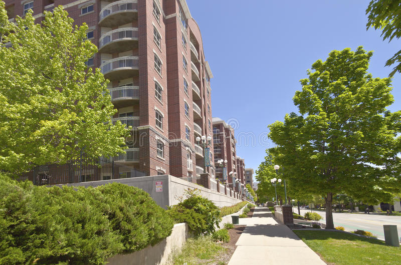 Большой комплекс апартаментов Солт-Лейк-Сити стоковое фото rf