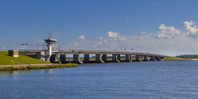Большой конкретный мост стоковые фотографии rf