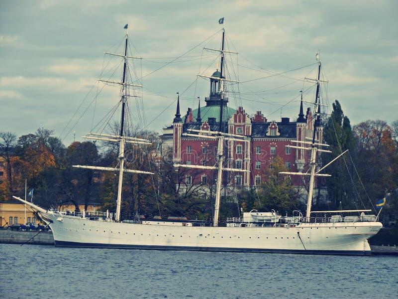 Большой корабль в Стокгольме стоковая фотография