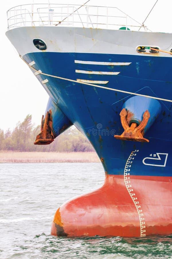 Большой корабль в roadstead стоковые фото