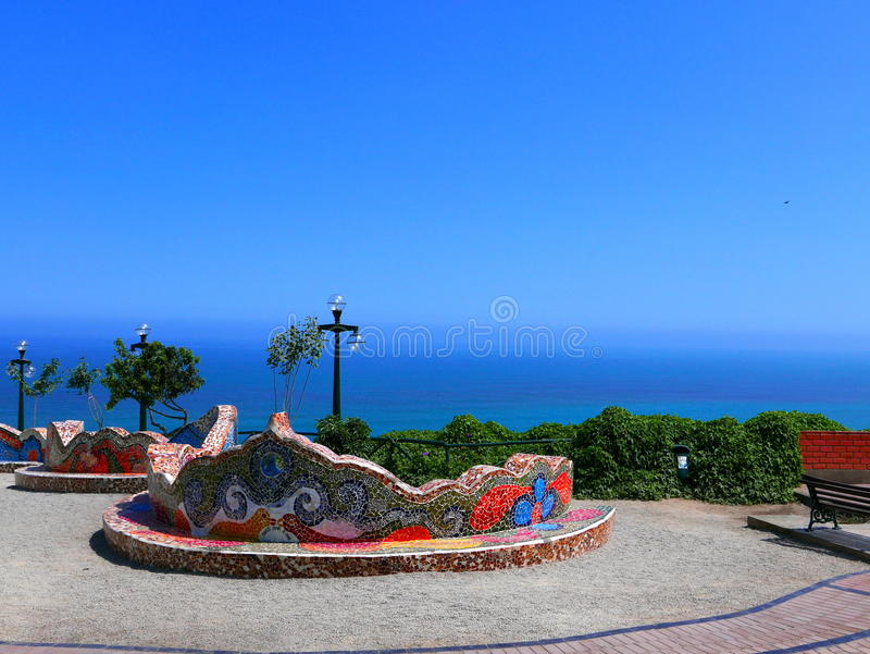 Большой крыть черепицей черепицей стенд в парке влюбленности, Miraflores, Лима стоковое изображение rf