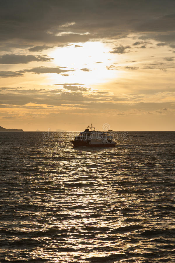 большой пассажирский корабль стоковая фотография