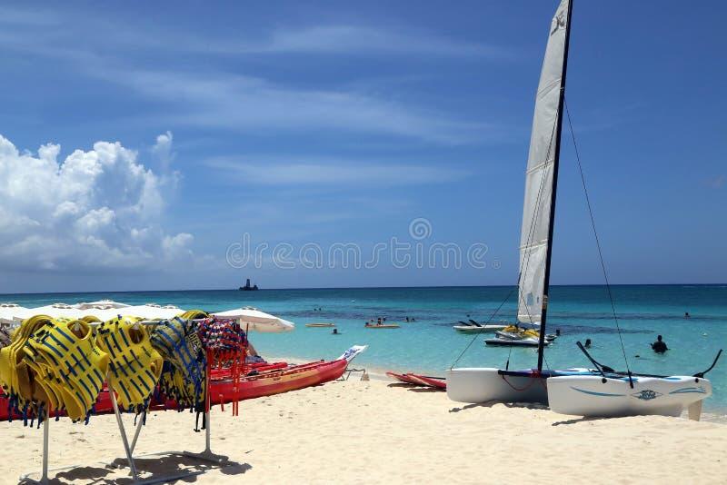 Большой пляжный комплекс Marriott Кеймана стоковое фото