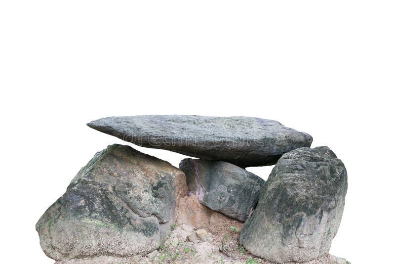 Большой старый камень на белой предпосылке, с путем клиппирования стоковые фото