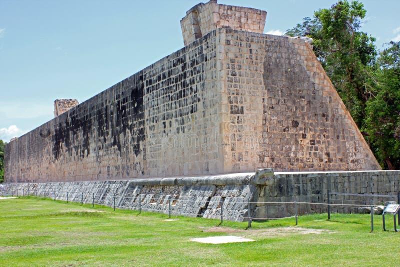 Большой суд шарика на Chichen Itza, Юкатане, Мексике стоковое изображение rf