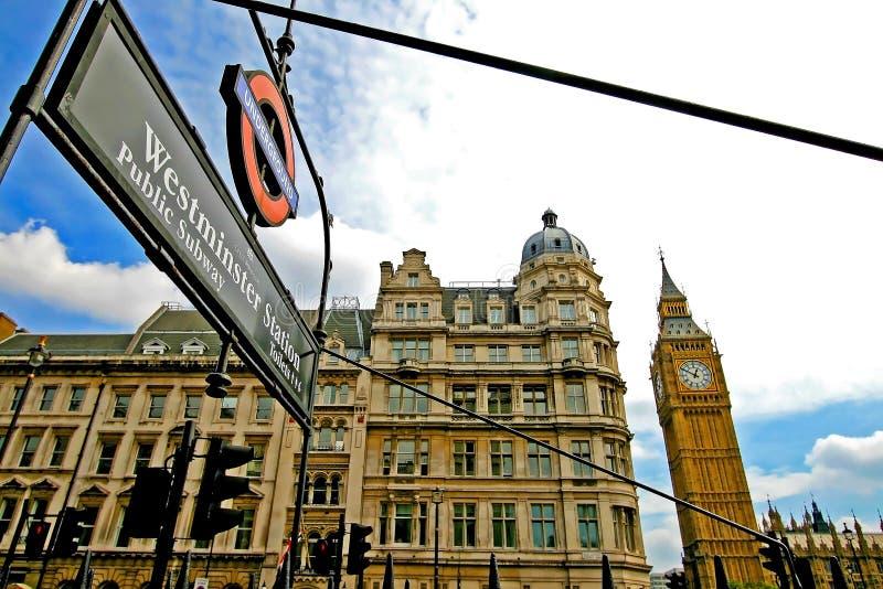 Большой ben и станция Вестминстера стоковые изображения rf