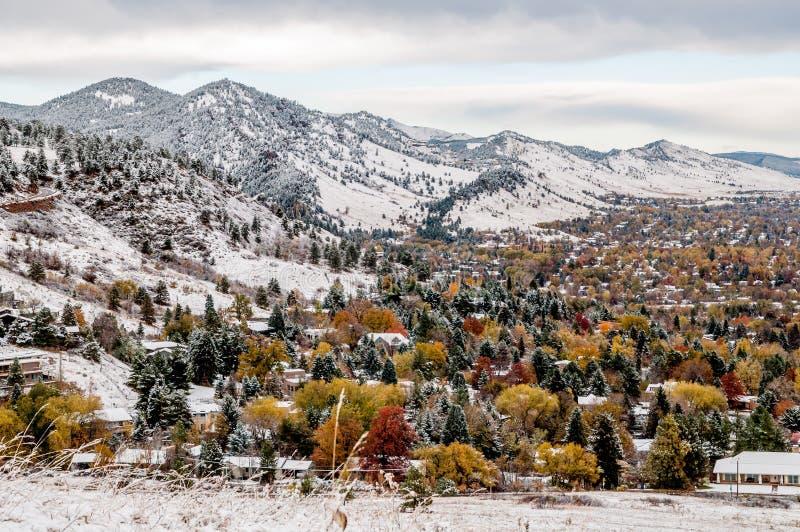 Больдэр Колорадо - первый снег стоковая фотография