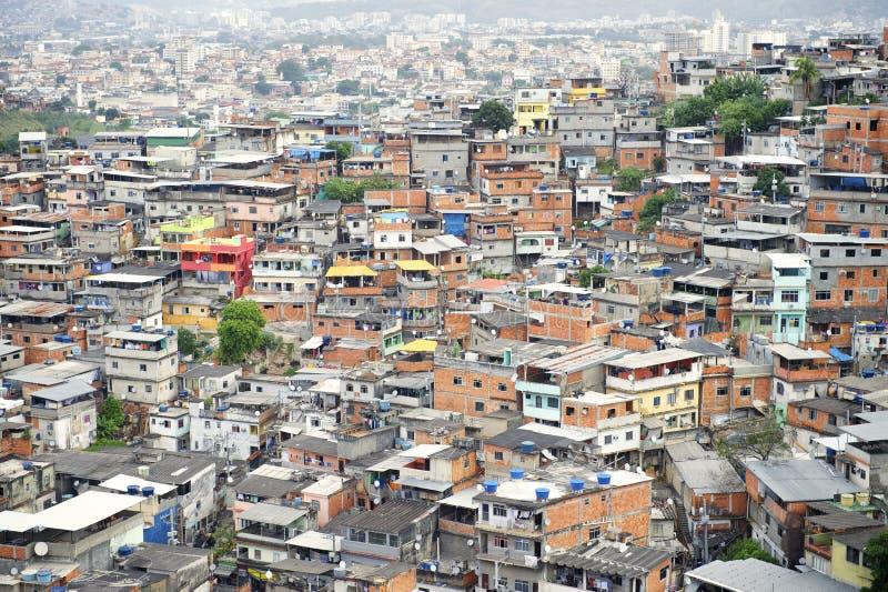 Бразильские трущобы Рио-де-Жанейро Бразилия Favela горного склона стоковое изображение rf