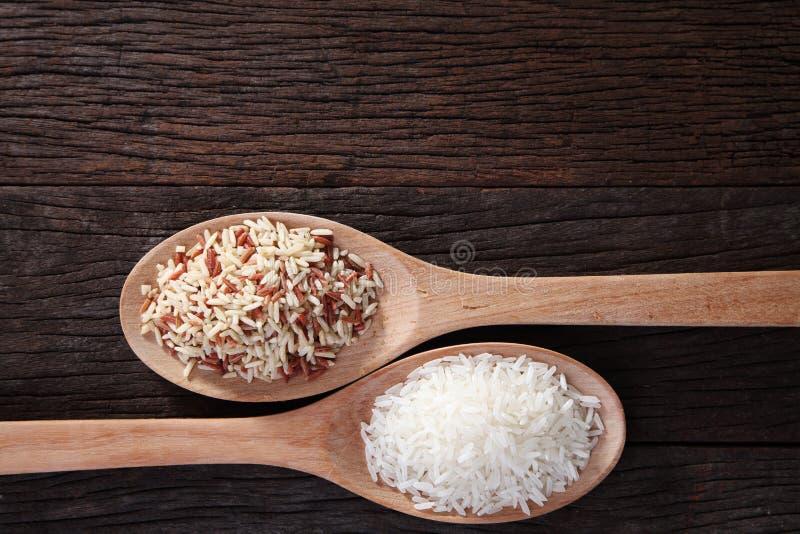 Брайн и белый рис стоковые фотографии rf
