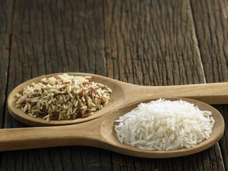 Брайн и белый рис стоковое фото rf