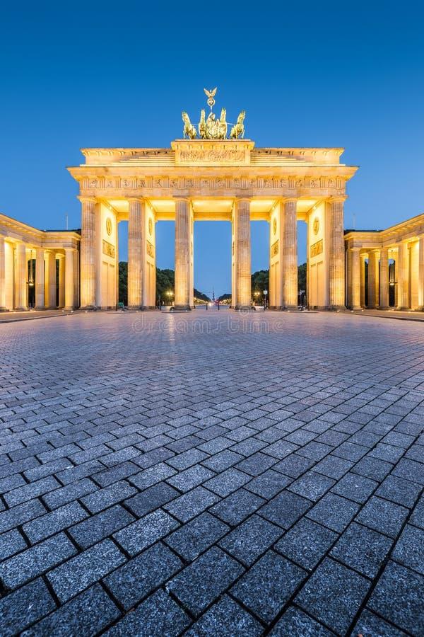 Бранденбургские ворота в сумерках, Берлин, Германия стоковое фото rf