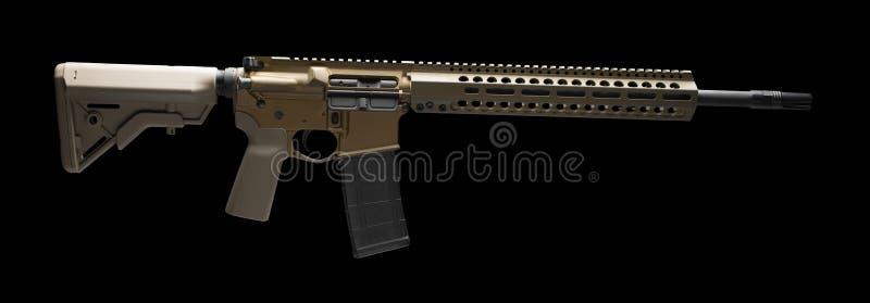 Браун AR-15 на черноте стоковая фотография rf
