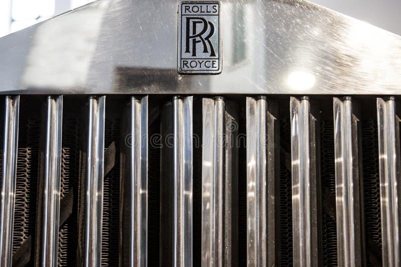 Бренд Rolls Royce вне автомобиля стоковое фото rf