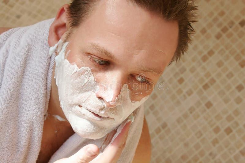 брить человека стоковое изображение rf