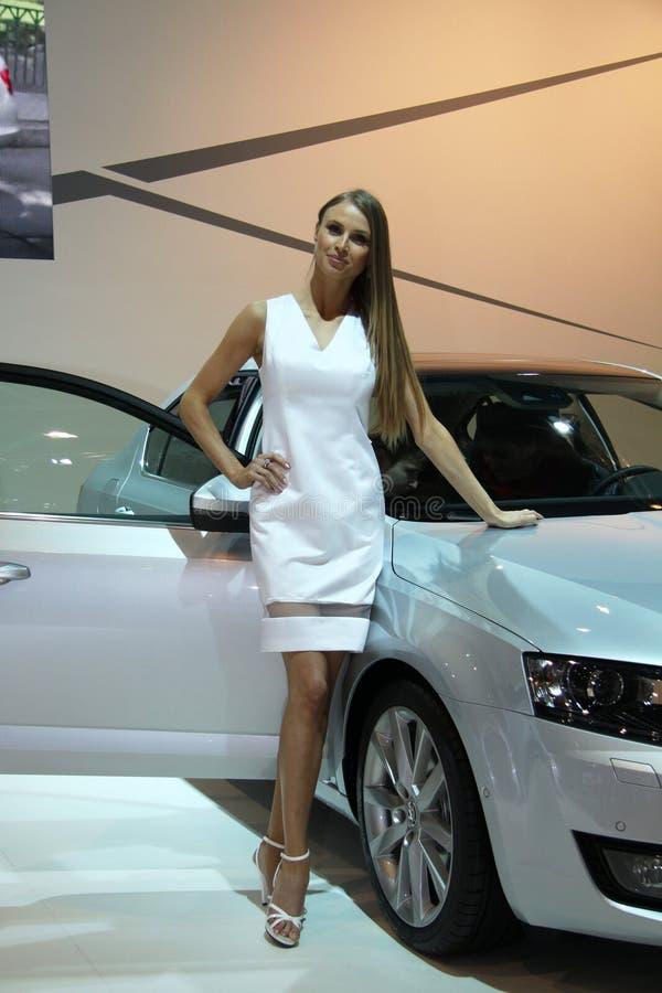 Хозяюшка с поколением Skoda Octavia 3-им на дисплее на 11th варианте международного Autosalon Брна стоковые фотографии rf
