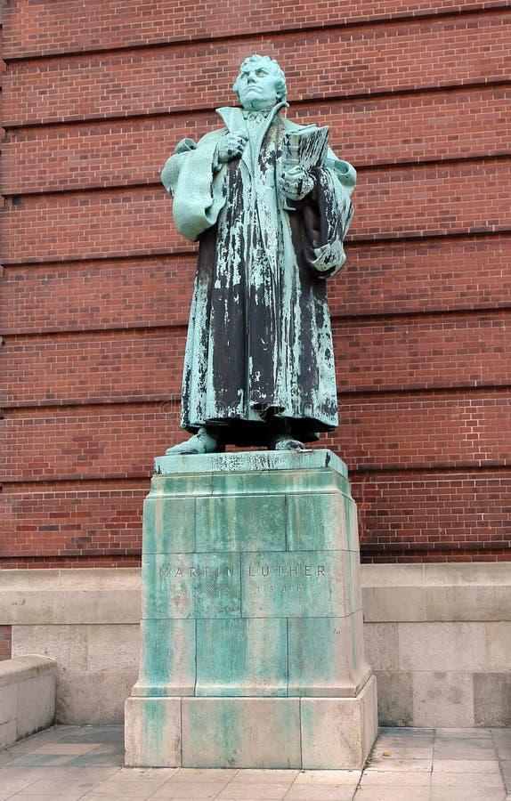 Бронзовая статуя Мартин Luther стоковое фото rf