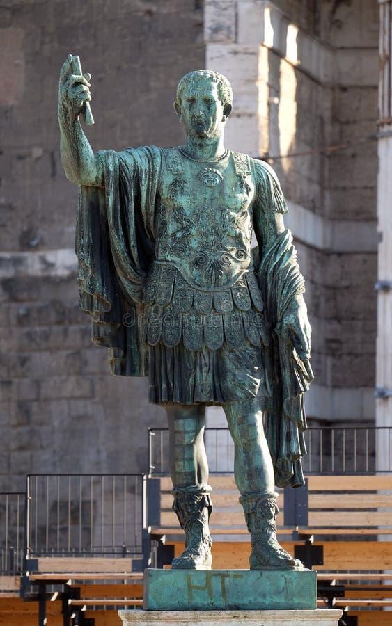Бронзовая статуя Нервы в форуме Romanum, Риме стоковые фото