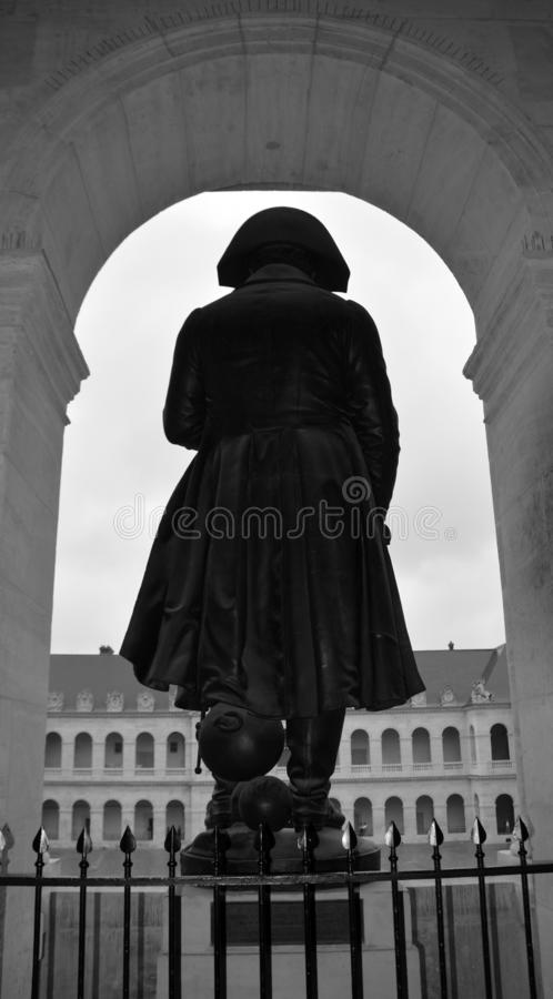 Бронзовая статуя Napoleon Bonaparte 1er, автор Чарльз Эмиль Сёрре стоковые фото