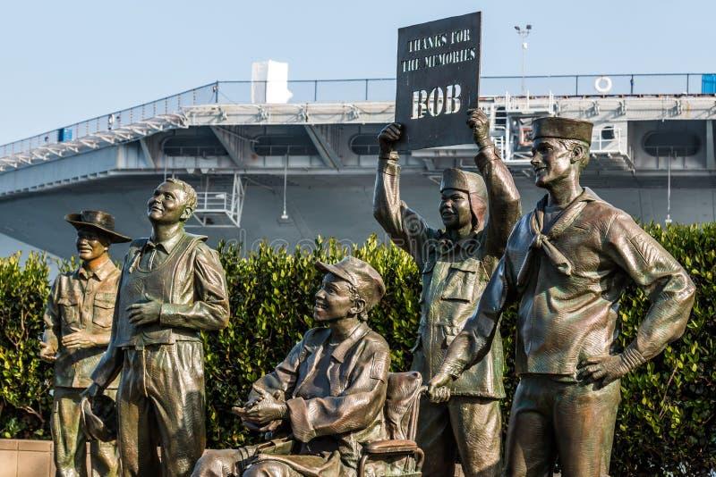 Бронзовые статуи военного персонала США в Сан-Диего стоковые изображения rf