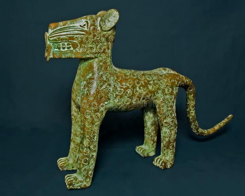 Бронзовый тигр от Бенина стоковые изображения