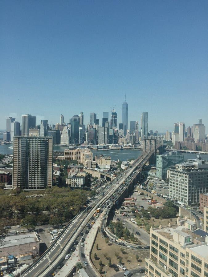 Бруклинский мост и взгляд Манхэттена стоковое изображение