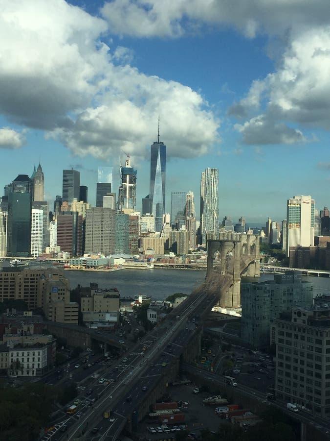 Бруклинский мост и взгляд Манхэттена стоковое фото rf