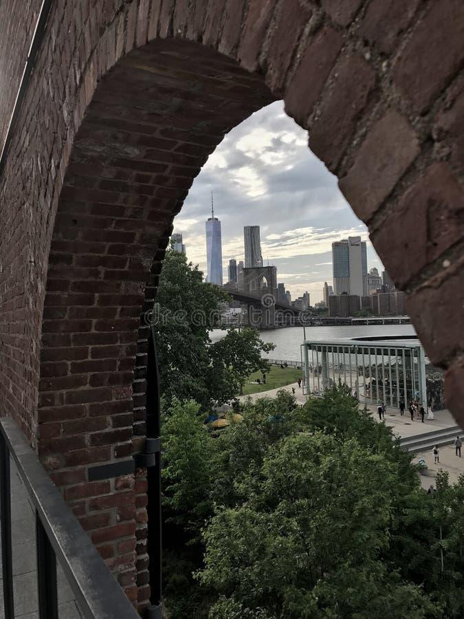 Бруклинский мост и взгляд Манхэттена стоковая фотография rf