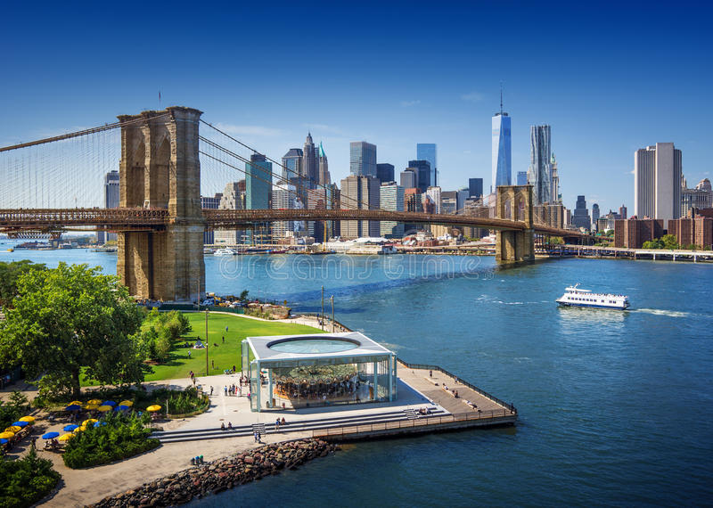 Бруклинский мост в Нью-Йорке - виде с воздуха стоковое фото