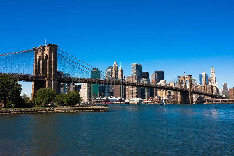 Бруклинский мост и Манхаттан стоковая фотография rf