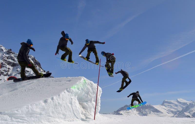 Брыкуньи потехи парка сноубординга стоковая фотография rf
