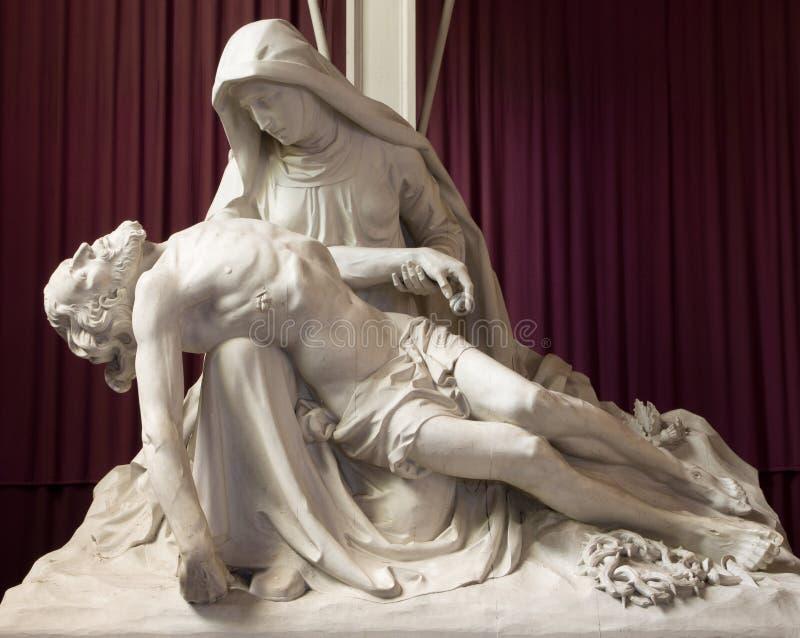 Брюгге статуя Pieta в церков или Katharinakerk st Katharine стоковое фото